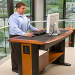standing-desk-in-the-office